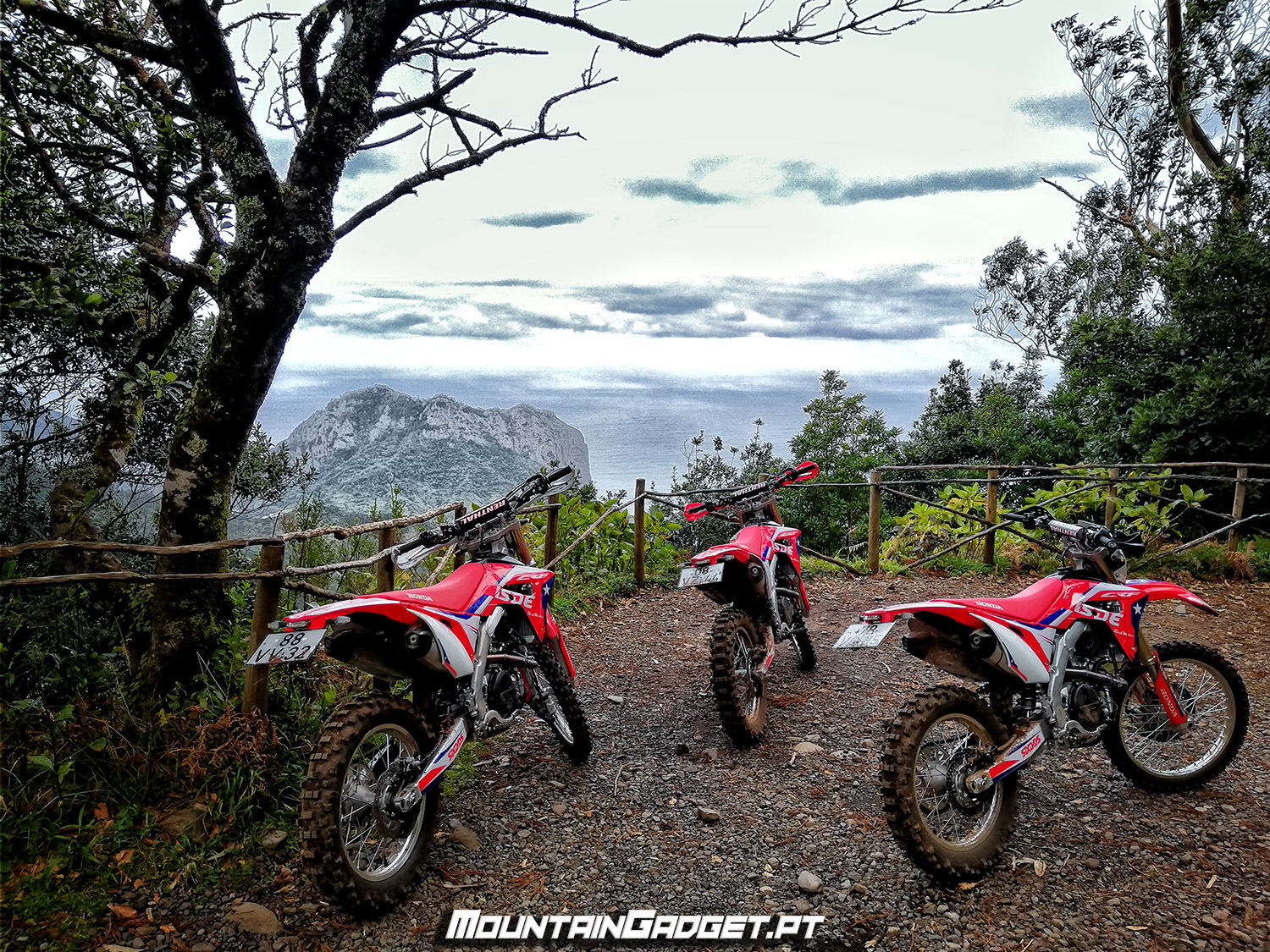 Three Hondas CRF450RX 2018 on an off-road sightseeing for Porto da Cruz